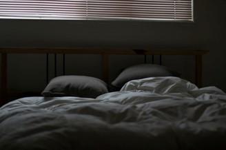 As pessoas dormem menos na noite anterior à Lua cheia.